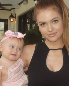 Four Famous and Youngest Single Teen Mom Who Have Pursued Their Career On YouTube!