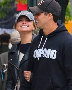 After Retiring From NYPD, Miranda Lambert's Husband Brendan McLoughlin Works As Her Security Guard!