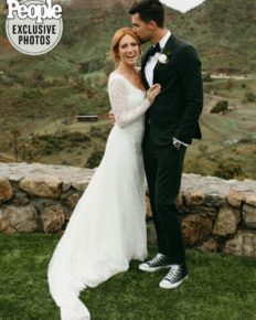 Brittany Snow and Tyler Stanaland marry in Malibu!