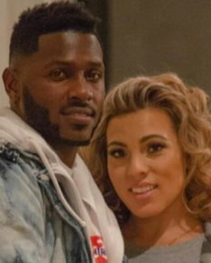 Antonio Brown happy with his fiancee Chelsie Kyriss and kids after reconciliation!