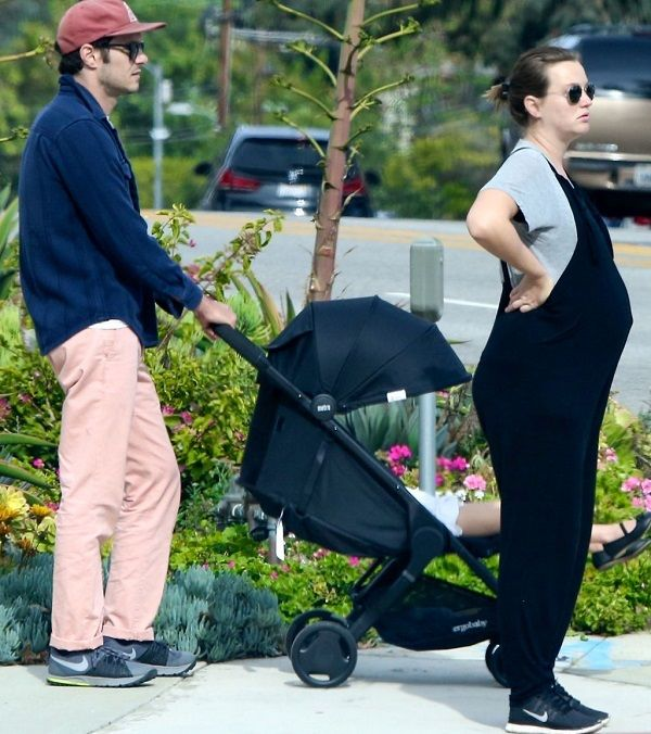 Actress Leighton Meester with actor husband Adam Brody