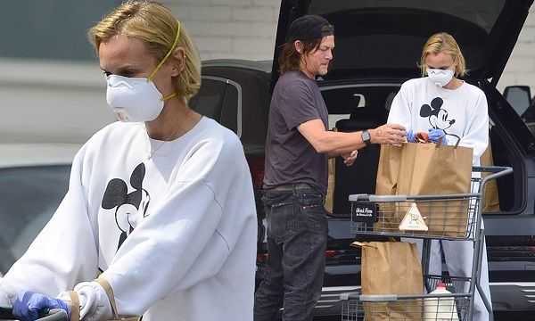 Diane Kruger and Norman Reedus shopping during this Coronavirus outbreak