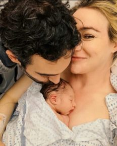 Betsy Wolfe welcomes daughter Poppy with husband Adam Krauthamer!