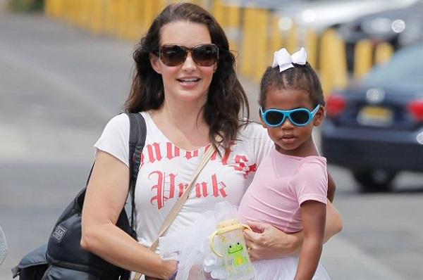 Kristin Davis and her daughter