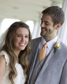 Is Jill Duggar pregnant for third time or is it just misunderstanding again! Know about her married life with Derick Dillard, children, biography