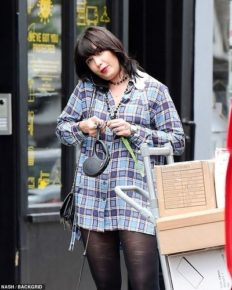 Fashion model Daisy Lowe, 31 spotted with a ring on her engagement finger! Is she engaged?