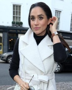Meghan Markle accused of setting up paparazzi photos to get more publicity!