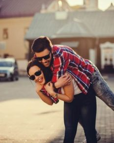Five Things That Couple Do Which Make Their Relationship Unknowingly Stronger!