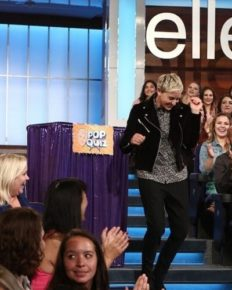 Ellen DeGeneres behaves badly not only with her employees but also with the audience!
