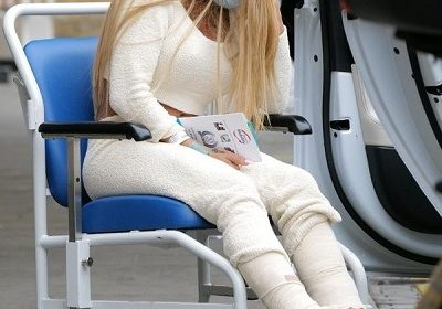 Katie Price has a six-hour surgery for her broken feet, sobs in agony outside Chelsea and Westminster Hospital, London!