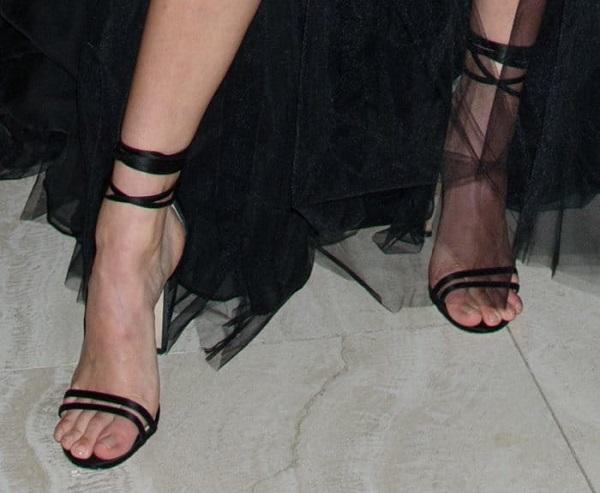 Taylor feet jennifer Nude celebrity